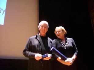 Los ganadores del Premio Andersen 2010, David Almond y Jutta Bauer